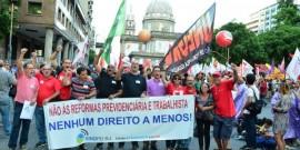 Um milhão de pessoas vão às ruas contra reforma da Previdência